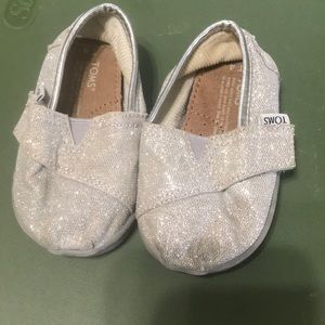 Toddler size 4 Toms- silver sparkle